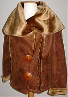 Jacke aus Kunstpelz mit Holzknöpfen